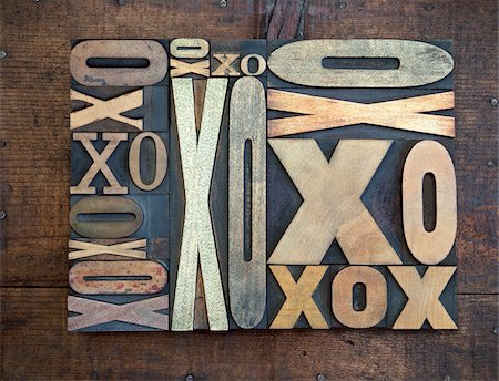 print - Letterpress X's and O's Stock Photo - Premium Royalty-Free, Code: 600-05524442