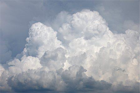 fluffed - Cumulonimbus Clouds, Mont Ventoux, Carpentras, Vaucluse, Alpes-de-Haute-Provence, Provence, France Stock Photo - Premium Royalty-Free, Code: 600-05524593