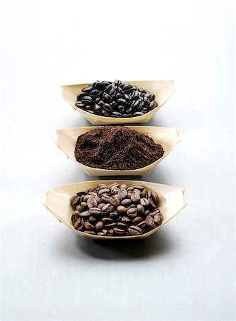 Ground Coffee and Whole Coffee Beans Stock Photo - Premium Royalty-Free, Code: 600-05560118