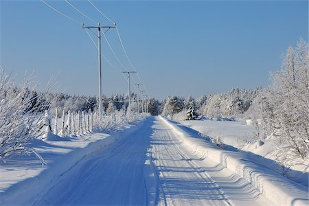 Road, Kuusamo, Northern Ostrobothnia, Oulu Province, Finland Stock Photo - Premium Royalty-Free, Code: 600-05609975