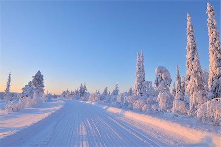 Road, Kuusamo, Northern Ostrobothnia, Oulu Province, Finland Stock Photo - Premium Royalty-Free, Code: 600-05609981