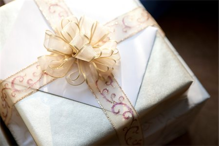 present wrapped close up - Close-up of Wedding Gifts, Muskoka, Ontario, Canada Stock Photo - Premium Royalty-Free, Code: 600-05641648