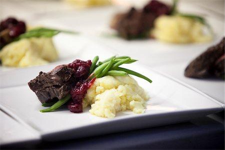 Main Course, Wedding Dinner, Muskoka, Ontario, Canada Stock Photo - Premium Royalty-Free, Code: 600-05641650