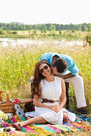 Couple having Picnic, Unionville, Ontario, Canada Stock Photo - Premium Royalty-Free, Code: 600-05786059