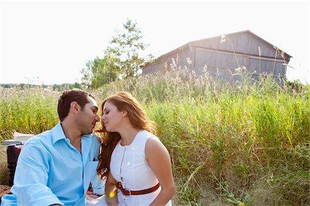 Couple having Picnic, Unionville, Ontario, Canada Stock Photo - Premium Royalty-Free, Code: 600-05786067