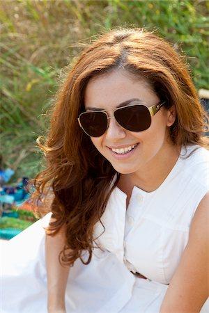 sunglasses - Portrait of Woman Stock Photo - Premium Royalty-Free, Code: 600-05786063