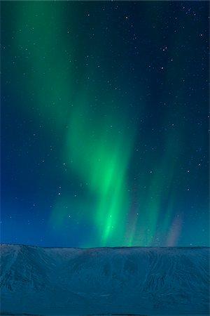 sky stars - Aurora Borealis over Kleifarvatn, Reykjanes Peninsula, Iceland Stock Photo - Premium Royalty-Free, Code: 600-05786341