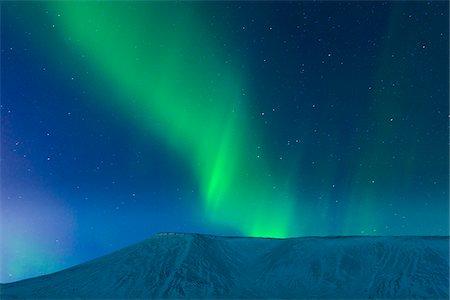 sky stars - Aurora Borealis over Kleifarvatn, Reykjanes Peninsula, Iceland Stock Photo - Premium Royalty-Free, Code: 600-05786343
