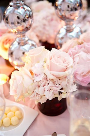 decorations - Centerpiece on Table Stock Photo - Premium Royalty-Free, Code: 600-05786641