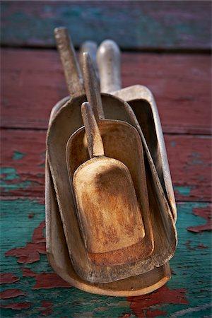 Wooden Vintage Scoops, Ontario, Canada Stock Photo - Premium Royalty-Free, Code: 600-05800594