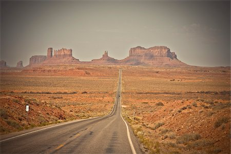 rugged landscape - Monument Valley looking South on US Route 163, Utah, USA Stock Photo - Premium Royalty-Free, Code: 600-05822098