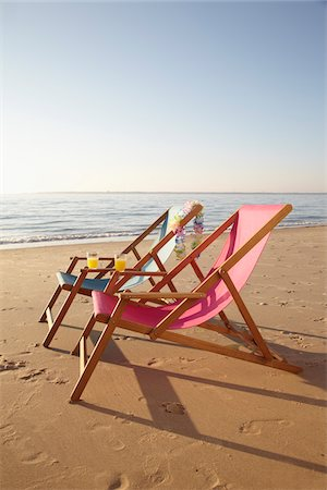 pair - Beach Chairs, Biscarrosse, Landes, Aquitaine, France Stock Photo - Premium Royalty-Free, Code: 600-05854207