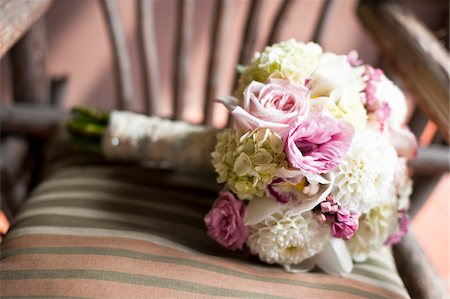 Bridal Bouquet on Chair Stock Photo - Premium Royalty-Free, Code: 600-05948260