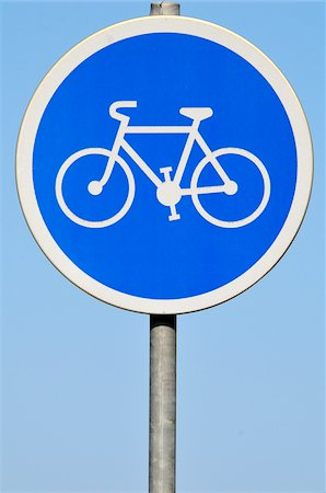 Bicycle Use Only Road Sign, Montpellier, Herault, France Stock Photo - Premium Royalty-Free, Code: 600-06025243
