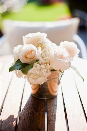 rose - Flower Arrangement at Wedding, Toronto, Ontario, Canada Stock Photo - Premium Royalty-Free, Code: 600-06037838