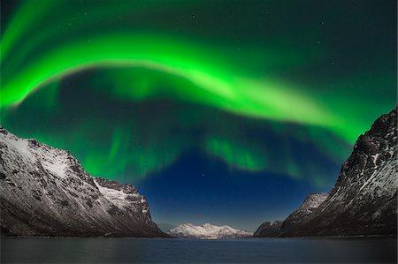Northern Lights near Tromso, Troms, Norway Stock Photo - Premium Royalty-Free, Code: 600-06038349