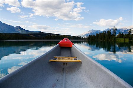 Canoe on Beauvert Lake, Jasper National Park, Alberta, Canada Stock Photo - Premium Royalty-Free, Code: 600-06125581