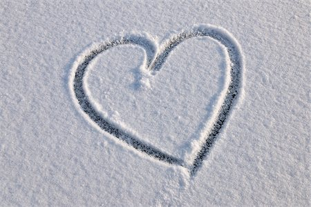 Heart in Snow, Odenwald, Hesse, Germany Stock Photo - Premium Royalty-Free, Code: 600-06144757