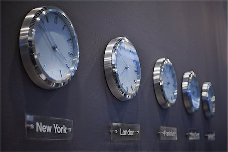 Clocks on Wall, Frankfurt Airport, Frankfurt, Darmstadt Region, Hesse, Germany Stock Photo - Premium Royalty-Free, Code: 600-06334352