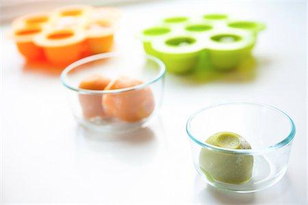 Frozen Baby Food Stock Photo - Premium Royalty-Free, Code: 600-06355176