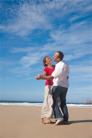 Couple Dancing on the Beach, Camaret-sur-Mer, Crozon Peninsula, Finistere, Brittany, France Stock Photo - Premium Royalty-Free, Code: 600-06382819