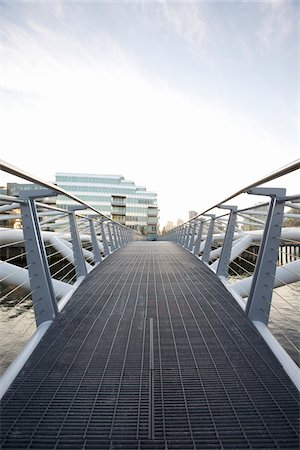 Footbridge, Vancouver, British Columbia, Canada Stock Photo - Premium Royalty-Free, Code: 600-06383814
