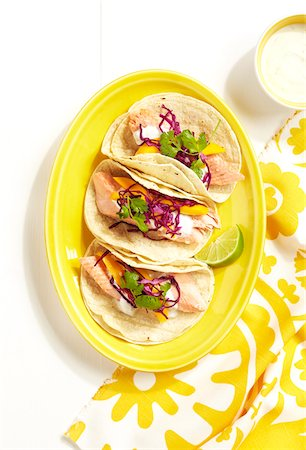 Overhead View of Fish Tacos Stock Photo - Premium Royalty-Free, Code: 600-06397654