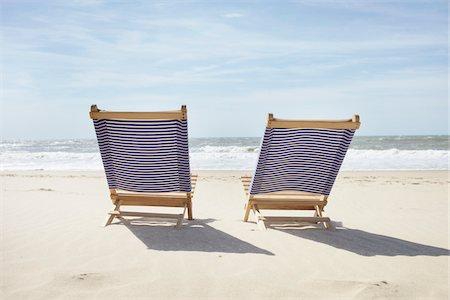 pair - Pair of Beach Chairs, Lacanau, Gironde, Aquitaine, France Stock Photo - Premium Royalty-Free, Code: 600-06407707