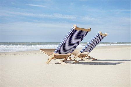 pair - Pair of Beach Chairs, Lacanau, Gironde, Aquitaine, France Stock Photo - Premium Royalty-Free, Code: 600-06407708