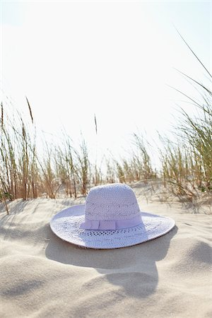 Sunhat, Sand Dunes and Dune Grass, Cap Ferret, Gironde, Aquitaine, France Stock Photo - Premium Royalty-Free, Code: 600-06407747
