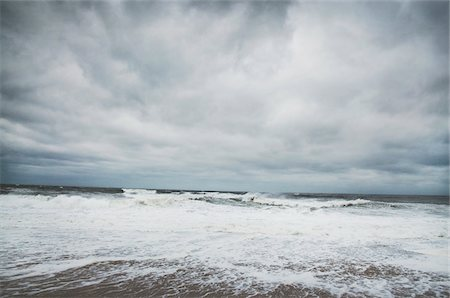 Beach and Approaching Hurricane Sandy, Point Pleasant, New Jersey, USA Stock Photo - Premium Royalty-Free, Code: 600-06438868