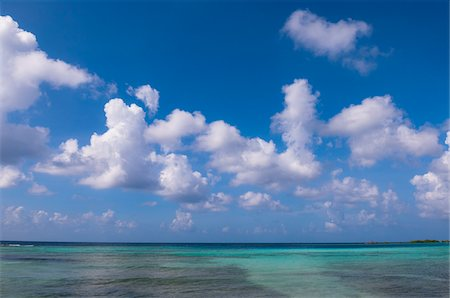 Water, Horizon and Sky, Mangel Halto Beach, Aruba, Lesser Antilles, Caribbean Stock Photo - Premium Royalty-Free, Code: 600-06431276