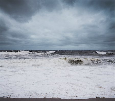 View of Impending Hurricane Sandy approaching Jersey Coast, New Jersey, USA Stock Photo - Premium Royalty-Free, Code: 600-06486291