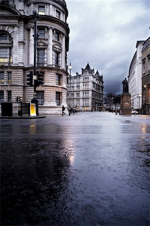 Central London on a rainy winter day Stock Photo - Premium Royalty-Free, Code: 600-06702151