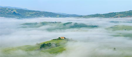 Typical Tuscany landscape with farm in morning with fog near Pienza. Pienza, Siena district, Tuscany, Toscana, Italy. Stock Photo - Premium Royalty-Free, Code: 600-06732594