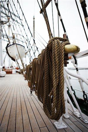 Close-up of Mooring Post on Sailboat Stock Photo - Premium Royalty-Free, Code: 600-06758184