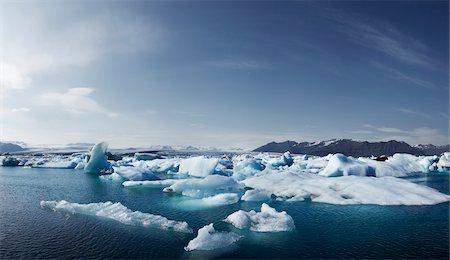 Icebergs in Jokulsarlon, South Iceland, Iceland Stock Photo - Premium Royalty-Free, Code: 600-06752064