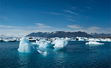 Icebergs in Jokulsarlon, South Iceland, Iceland Stock Photo - Premium Royalty-Free, Code: 600-06752063