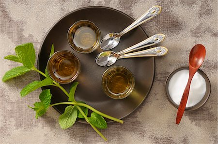 Overhead View of Mint Tea on Serving Tray with Bowl of Sugar, Studio Shot Stock Photo - Premium Royalty-Free, Code: 600-06752238