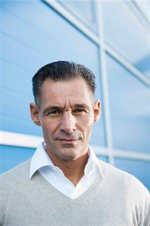 Portrait of Businessman Outdoors, Mannheim, Baden-Wurttemberg, Germany Stock Photo - Premium Royalty-Free, Code: 600-06773362