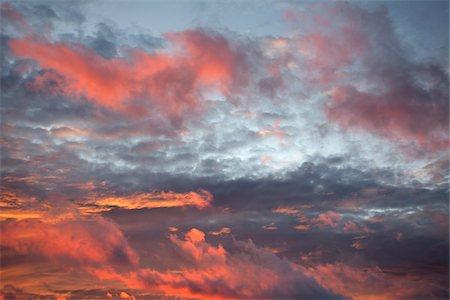 pink - Sunset sky over the Atlantic Ocean Stock Photo - Premium Royalty-Free, Code: 600-06782118