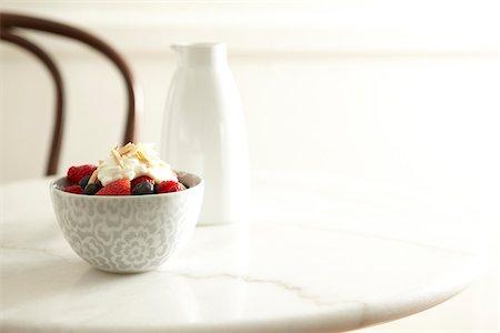 Mixed Berries and Yogurt in Bowl, Studio Shot Stock Photo - Premium Royalty-Free, Code: 600-06808813
