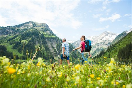 Couple Hiking, Vilsalpsee, Tannheim Valley, Tyrol, Austria Stock Photo - Premium Royalty-Free, Code: 600-06841771