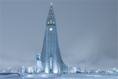 religious cross nobody - Statue of Leifur Eiriksson and Hallgrimskirkja, Reykjavik, Iceland Stock Photo - Premium Royalty-Free, Code: 600-06895020