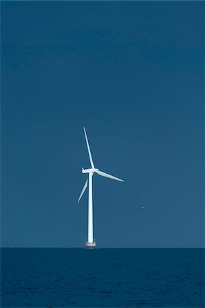 energia - Wind Turbine and Sea, Copenhagen, Denmark Fotografie stock - Premium Royalty-Free, Codice: 600-06895034