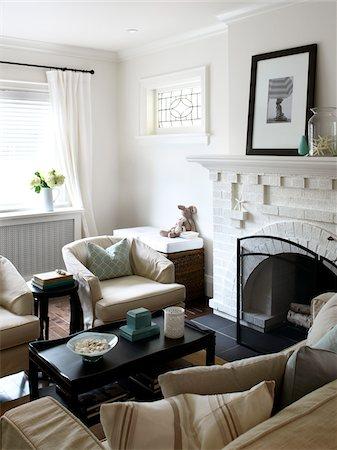 property release - Home Interior, Living Room, Toronto, Ontario, Canada Stock Photo - Premium Royalty-Free, Code: 600-06935029