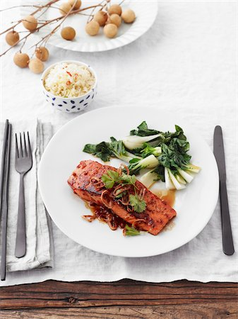fork - Grilled Salmon with Bok Choy and Bowl of Rice, Studio Shot Stock Photo - Premium Royalty-Free, Code: 600-06963792