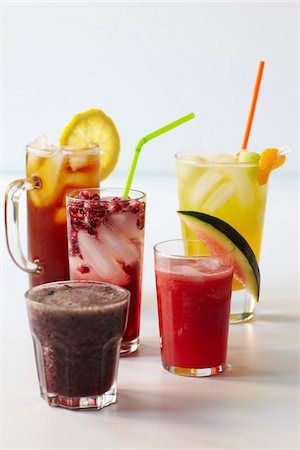 five - Kid's Cocktails, Studio Shot Stock Photo - Premium Royalty-Free, Code: 600-07067654