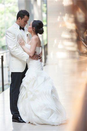 Portrait of Bride and Groom, Toronto, Ontario, Canada Stock Photo - Premium Royalty-Free, Code: 600-07062771