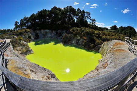 Devil's Cave, Wai-O-Tapu Thermal Wonderland, Bay of Plenty, North Island, New Zealand Stock Photo - Premium Royalty-Free, Code: 600-07110725